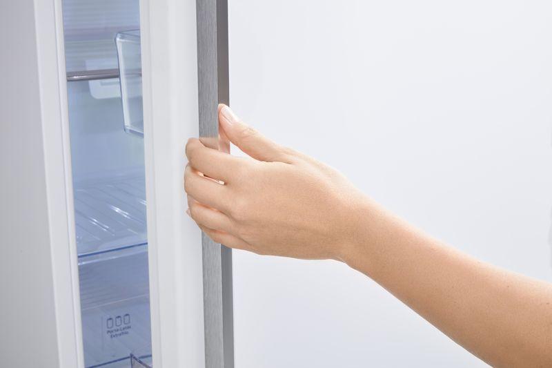 Geladeira Frost Free Panasonic White Glass NR-BB53GV3W 425L